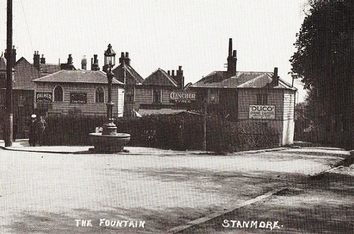 The fountain in its original setting, positioned on Stanmore Hill at the junction with Green Lane.
